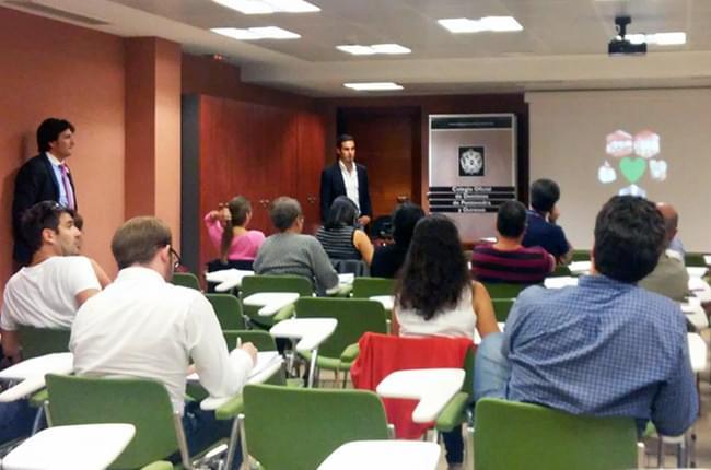 O Dr. Simón Pardiñas impartiu un curso de Implantología Predicible na Fundación Abanca de Vigo o pasado 23 de setembro