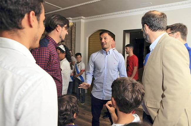 Máis de 80 persoas e diversos medios déronse cita onte nas instalacións de Fundación Clínica Pardiñas, onde se entregou ao futbolista Lucas Pérez o premio a mellor xogador do Deportivo da Coruña na pasada tempada.