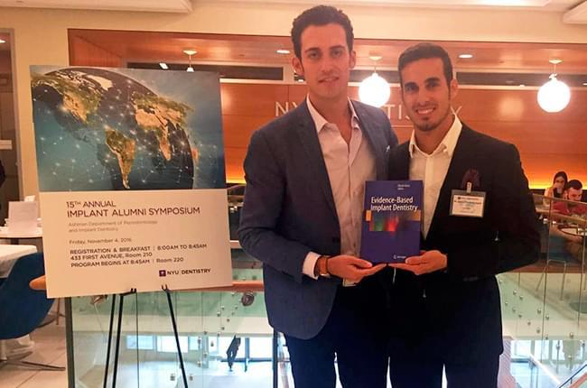 El Dr. Oreste Iocca y el Dr. Simón Pardiñas en la Facultad de Odontología de la Universidad de Nueva York