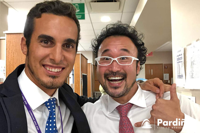 O Dr. Simón Pardiñas López xunto ao Dr. Takanori Suzuki