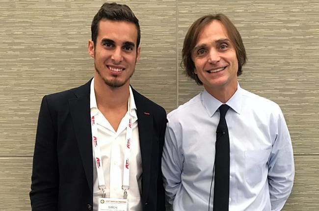 El Dr. Simón Pardiñas con el Dr. Istvan Urban en el encuentro anual de la Academia Americana de Periodoncia