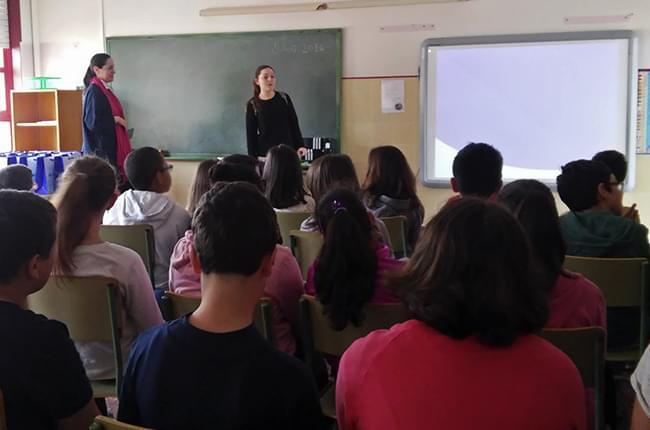 O equipo de Clínica Dental Pardiñas está a impartir charlas sobre saúde bucodental en diversos colexios da Coruña en colaboración co Clube Ratoncito Pérez