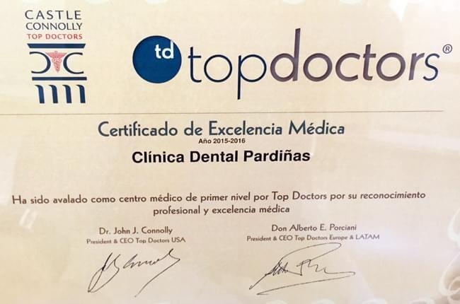 A web TopDoctors inclúe Clínica Pardiñas no seu prestixioso directorio, recoñecéndonos desta maneira como unha das mellores clínicas dentais da Coruña