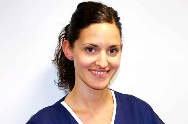 Dr. Sonia Liste Grela joins the team of the Pardiñas Dental Medical Center where she will be in charge of the prosthesis and dental aesthetic specialties.