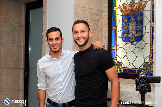 Simon Pardiñas and Florin Andone