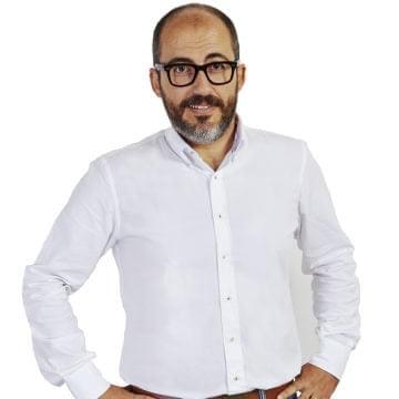 Dr. Alejandro Davila Fariñas: Deputy Manager