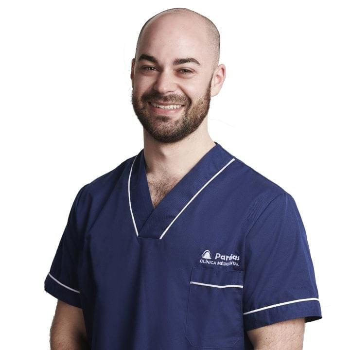 Dr. Roberto Pernas García: Odontólogo