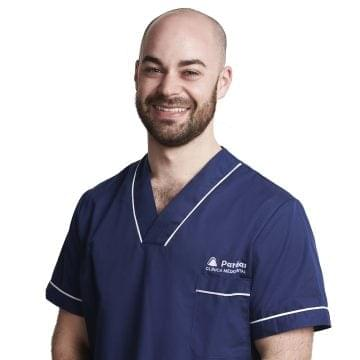 Dr. Roberto Pernas García: Doctor in Dental Surgery